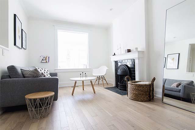 thiết kế phòng khách sử dụng tường trắng