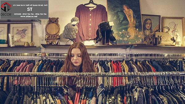 cách sắp xếp quần áo trong shop
