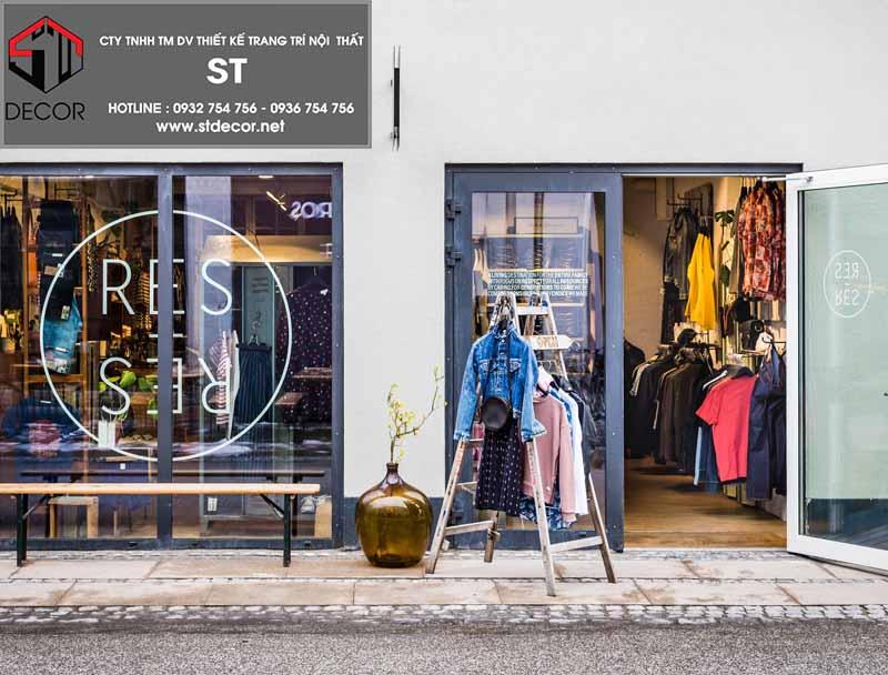 thiết kế cửa shop thời trang trẻ