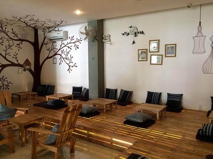 trang trí quán cafe bình dân nhiều tầng